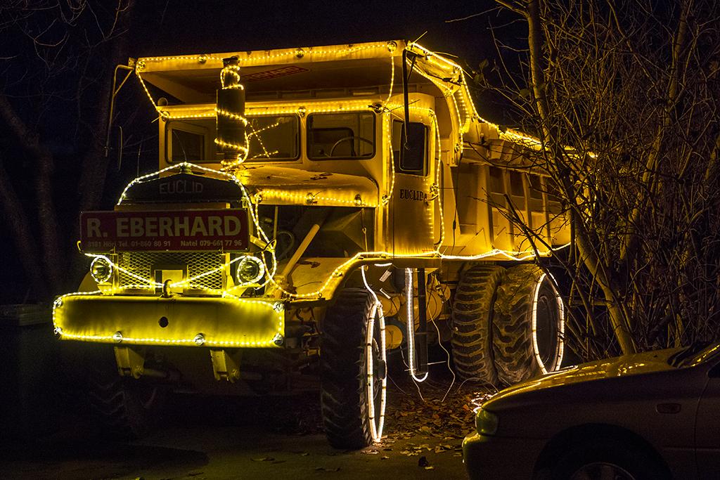 Truck im Weihnachtskleid