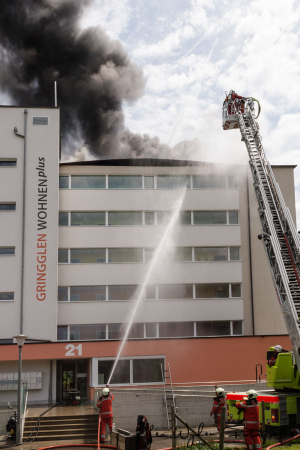 Brand in Bülach in der Alterssiedlung Wohnen Plus in der Gringglen.